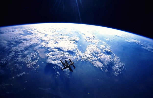 MIR in orbit - via mir_in_orbit_high_above_the_earth- via http://www.bhmpics.com/view-mir_in_orbit_high_above_the_earth-other.html
